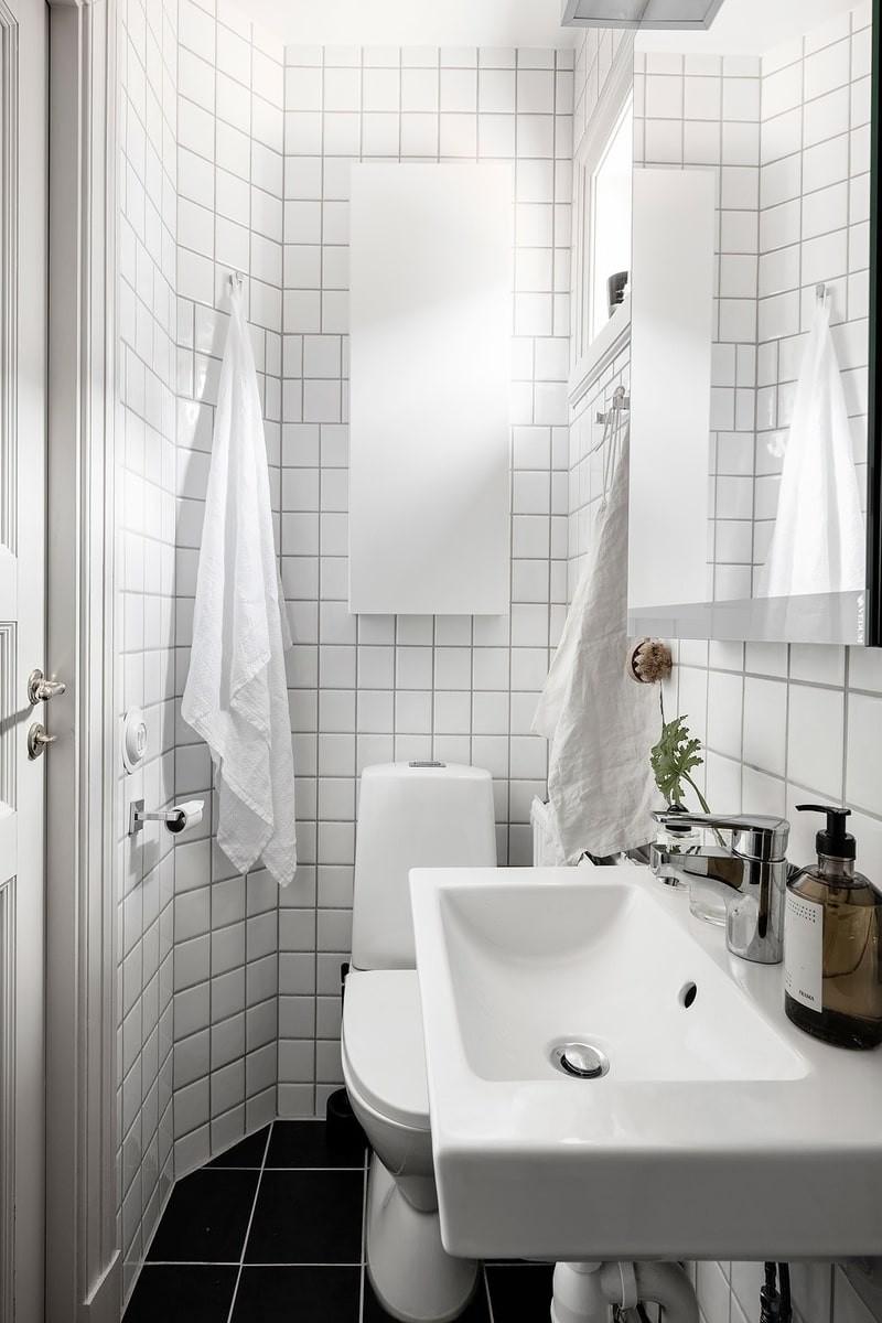 Светлые тона в интерьере маленькой ванной комнаты - часть1